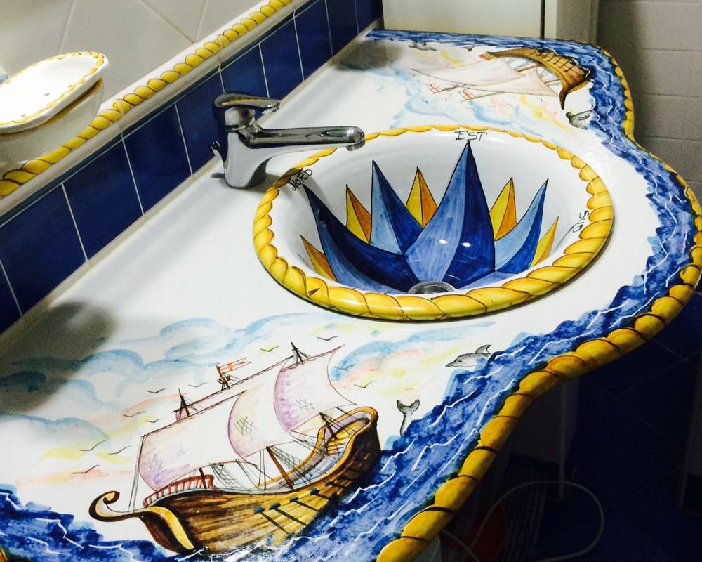 Ceramiche Di Vietri Arredo Bagno.Carlo Pisacane Tavoli In Pietra Lavica Made In Italy